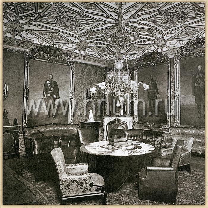 Реставрация лепного декора на потолке в историческом интерьере в Санкт-Петербурге - фотография оригинального интерьера 1914 г.